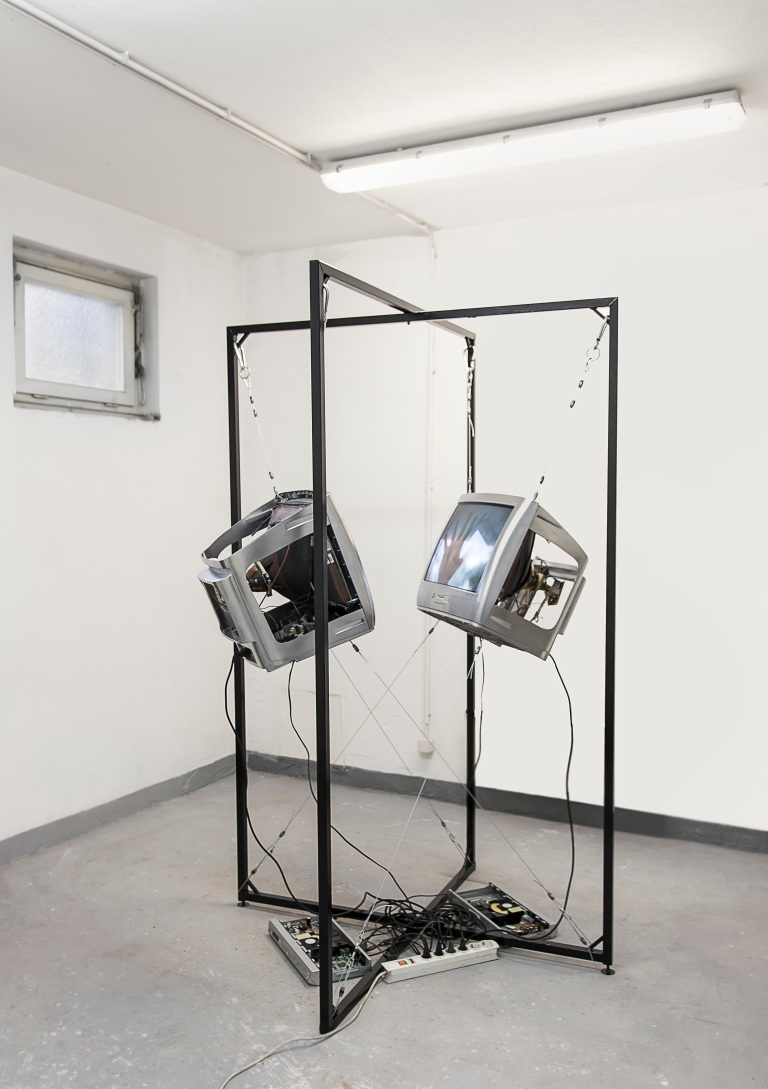 installation-view_Valerie-Wolf-Gang_3254.jpg